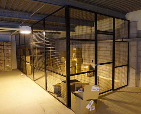 Steel mesh cage